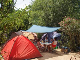 Location emplacement caravanes / tentes / camping-cars
